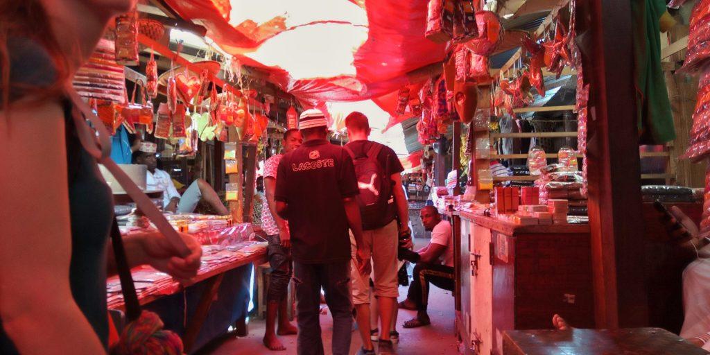 People in spice market by weonboard.com